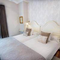 Cuatro Caminos Rooms, hotel in Torrelavega