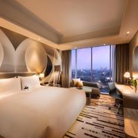 DoubleTree by Hilton Jakarta - Diponegoro, отель в Джакарте
