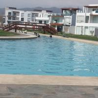 Condominio Las Terrazas, hotel in Asia