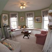 Bondy House Bed & Breakfast, hotel em Amherstburg