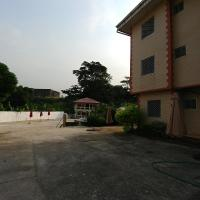 Rose Garden Apartments, hotel in Limbe