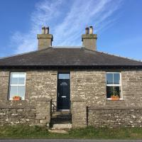 Drill Hall Cottage, hotel in Evie
