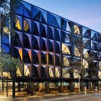 West Hotel Sydney, Curio Collection by Hilton, hotel in Darling Harbour, Sydney