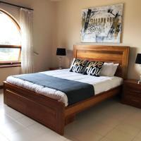 Adelaide's holiday home, hotel em Modbury