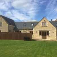 Ty Nant Cottages and Suites, hotel in Carterton