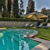 Coselli 's Collection. Luxury Villas Rental