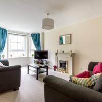 2 Bedroom Apartment near City Centre Sleeps 4