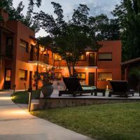 Postales Green Aparts - Chacras de Coria, hotel in Chacras de Coria
