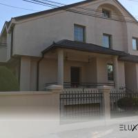 Spacious LUX house with garden, hotel em Skopje