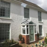 Deri-Down Guest House, hotel in Abergavenny