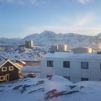 Vandrehuset 2 og 3, hotel a Nuuk