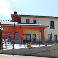 Albergue Restaurante Casa Herminia, hotel in El Campiello