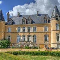 Château De Blavou Normandie, hotel in Saint-Denis-sur-Huisne