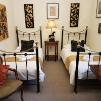 Gothic House, hotel in East Grinstead