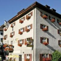 Gasthaus Alte Post, hótel í Zillis