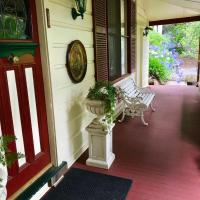The Chalet Guesthouse And Studio, hotel in Medlow Bath