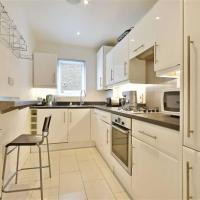Lovely Bright 1 bed Apartment - 15min to Centre of Town