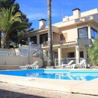 Villa Teresita High Views with private pool, hotel in Santa Brígida