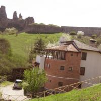 Castle Cottage Bed & Breakfast, hotel in Belogradchik