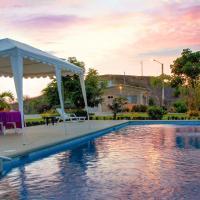 Saint Patricks Lodge, hotel em Santa Elena