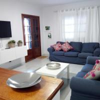 Apartamento playa coqueto junto al mar, hotel near Lanzarote Airport - ACE, Playa Honda