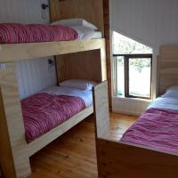 Quilda Hostel, hotel in Hornopiren