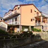 Apartments Mira, hotel in Starigrad