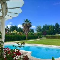Luxury Villa with pool, hotell i Pietrasanta