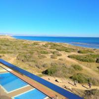 Luxury and Modern Beach Apartment with Sea Views, hotel in La Mata