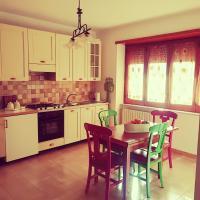 Come a casa tua (appartamento da 1 a 8 posti), hotell i San Nicola La Strada