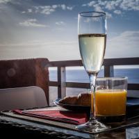 Sunset on the sea, hotel in Punta del Hidalgo
