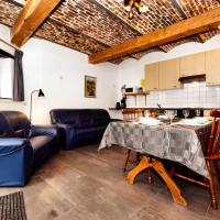 Luxurious Holiday Home in Richelle with Terrace, hotel in Richelle