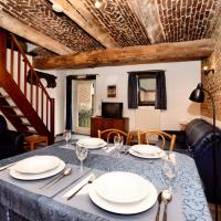 Heritage Holiday Home in Richelle with Private Terrace, hotel in Richelle