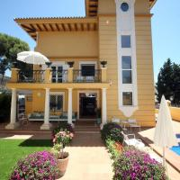 Hotel Boutique Villa Lorena by Charming Stay, hotel di Málaga