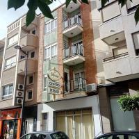 Pension Centro, hotel in Guardamar del Segura