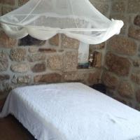 Casa Velha, hotel in Avelal