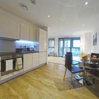 West Side Apartments -Brentford, London, hotel in Brentford