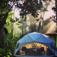 Faith Glamping Dome Costa Rica, hotel in Manzanillo