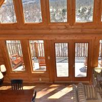 Chalet Hachiko by Location4Saisons, hotel em Lac-Castor