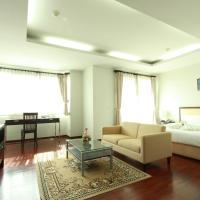 The Park 304 Executive Serviced Apartment, hotel in Si Maha Phot
