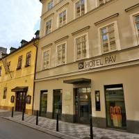 Hotel Páv, hotel en Praga