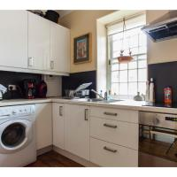 Historic Dean Village Treasure, Sleeps 4