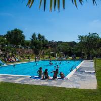 Camping El Pasqualet, hotel in Caldes de Montbui