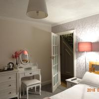 Surrey Homestay, hotel in Weybridge