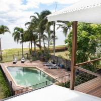 ABSOLUTE BEACHFRONT BLISS @ NEWELL BEACH, hotel in Newell Beach