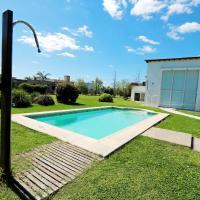 Hermosa Casa con Pileta Roldán Funes Rosario, hotel en Roldán