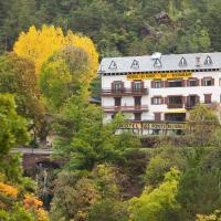 Hostal Les Fonts, hotel in Castellar de N'Hug