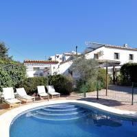 Upscale Cottage in Andalusia with private terrace and pool, hotel in Villanueva de la Concepción
