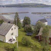 Villa i Nord-Norge, hotel in Finnsnes