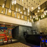 Huwei Hotel, hotel in Huwei